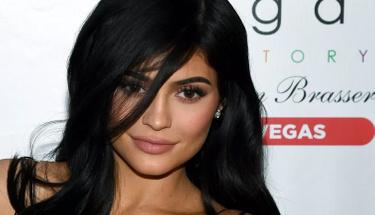 Kylie ve sevgilisinin çıplak fotoğrafı sosyal medyayı yerinden oynattı