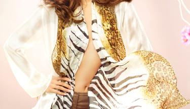 Sıcak yaz günleri için ipek kıyafetler