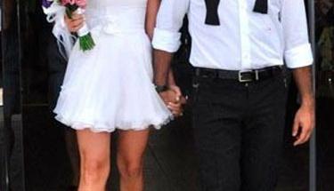 Ali Sunal ve Gökçe Bahadır evlendi!