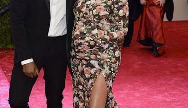 Kim Kardashian nihayet doğurdu!