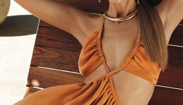 Seksi gösteren kıyafet modelleri