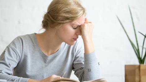 Oruçken baş neden ağrır? Canan Karatay açıkladı
