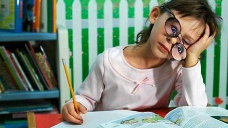 Çocuklara ders çalışmayı sevdirmenin yolları!