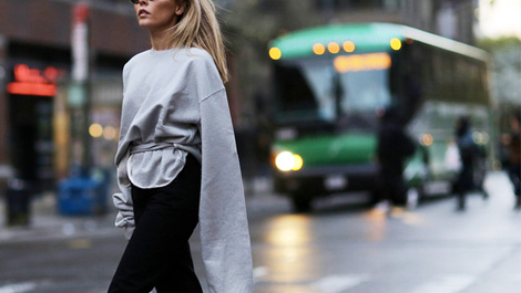 Sokak stilinin yeni trendi bol sweatshirtler!