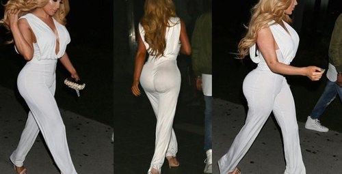 Flaşlar patlayınca 'Kardashian poposu' ortaya çıktı!