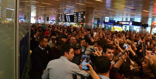 'CNBLUE' hayranları havalimanında izdiham yarattı!