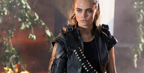 Cara Delevingne ile Call of Duty Trailer`ı!