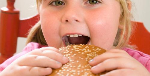 Çocuğunuzu obeziteden koruyacak önlemler!