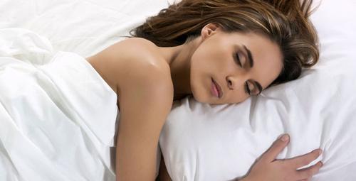 Uyurken vücudunuzda neler oluyor?