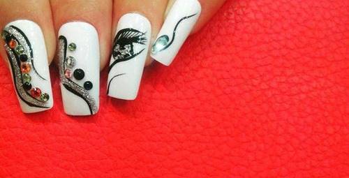 """Tırnaklarda fark yaratan """"nail art"""" modelleri!"""
