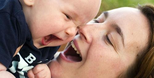 Bebeğin ruh sağlığı için her yerde emzirin