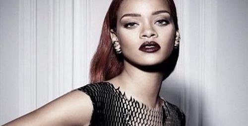 Rihanna'nın transparan pozlarına beğeni yağdı!