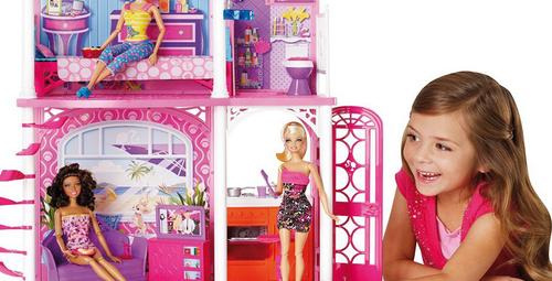'Kız oyuncakları,  kızları bilimden uzaklaştırıyor'