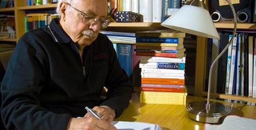 Ünlü yazar Tahsin Yücel hayatını kaybetti!
