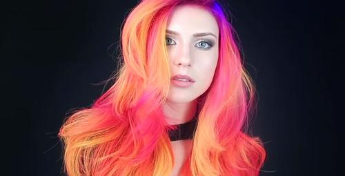 Karanlıkta parlayan saç trendi!