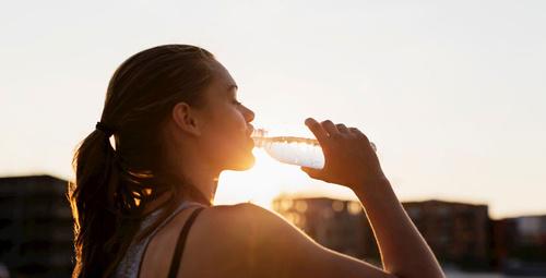 Az su içmek kış depresyonunu tetikliyor!