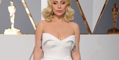 Lady Gaga sahneye tecavüz mağdurlarını çıkardı!