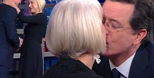 Ünlü sunucu ve oyuncu canlı yayında dudak dudağa!