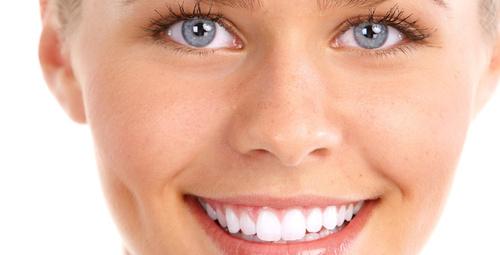 Sinsice dişleri sarartan 9 şaşırtıcı neden!
