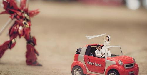 Düğün fotoğrafında minyatür harikalar!