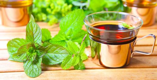 Hem lezzetli hem de sağlıklı detoks çayı tarifleri