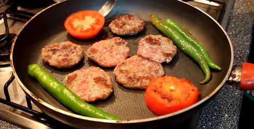 Tavada köfte nasıl pişirilir?