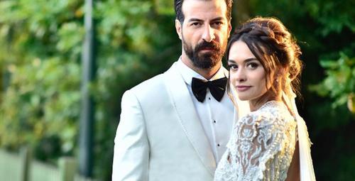Hande Soral evlendi gelinliğine bakın!