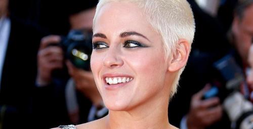 Saçlarını kazıtıp sarıya boyatan ünlüler!