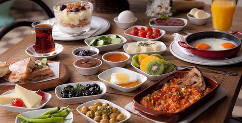Cildinizi güzelleştiren kahvaltı
