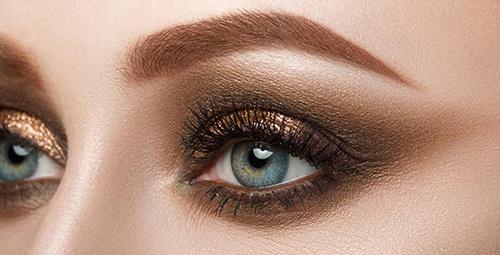 Göz rengine göre eyeliner renk seçimleri