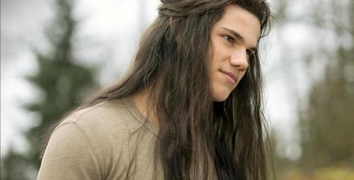 Uzun saç hangi erkeklere yakışır?
