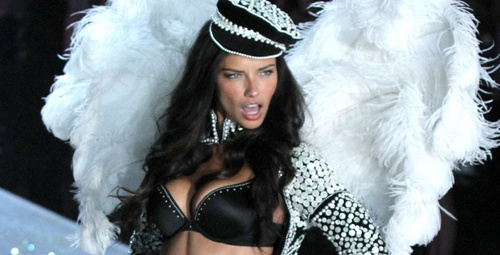 Adriana Lima büyük defileye hazırlanıyor!