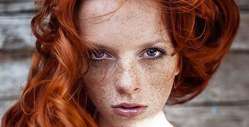 Kızıl saç en çok hangi tip kadınlara yakışır?
