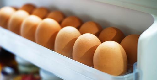 Yumurtaları sakın buzdolabı kapağında saklamayın!