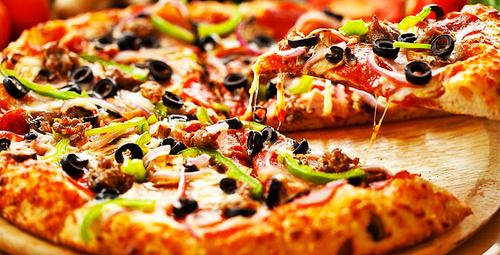 Lezzetine doyamayacağınız ev usulü pizza!