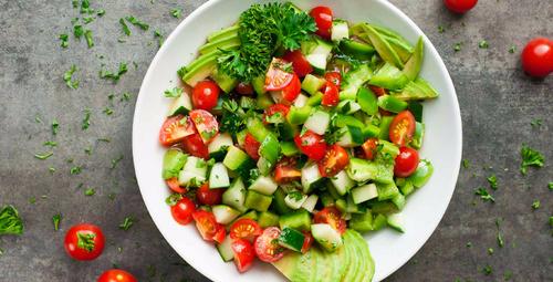 Tok tutan ve yağ yakan salata tarifi...
