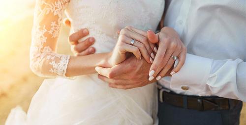Evlenmeden önce partnerinizle konuşmanız gereken 5 konu!