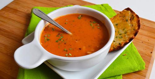 Anne çorbası gibi: Kıymalı tarhana çorba tarifi nedir?
