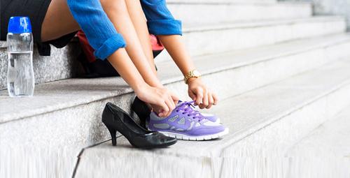 Ofiste ayakkabı değiştirme derdine son veren 10 topuklu