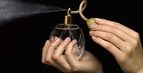 Yılbaşı için parfüm arayışında olanlara 10 efsane parfüm önerisi