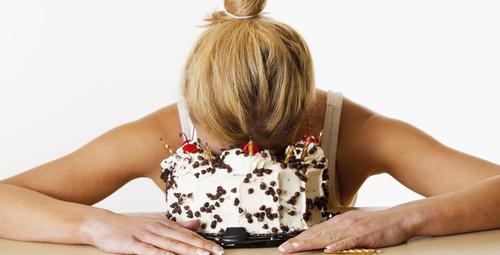 Mutsuzken neden abur cubur yeriz?