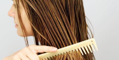 Doğal yağlar ile kendi saç spreyinizi kendiniz yapın!