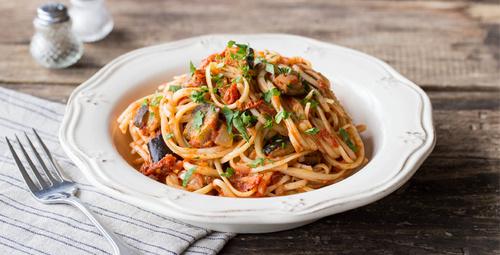 Makarnanızı domatesli kremalı mantar sosuyla hiç denediniz mi?