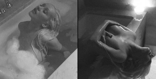 Ünlü şarkıcının küvetteki 14 Şubat pozları ortalığı kasıp kavurdu