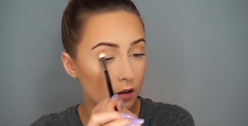 Bella Hadid'in kusursuz makyaj sırrı Jamsu yöntemi