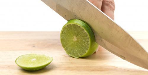 Limon suyu ile cilt lekelerine veda edin