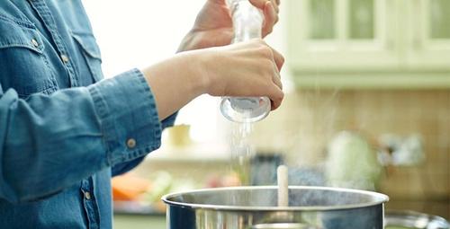 Tuz tüketimini azaltarak ömrünüzü uzatabilirsiniz!