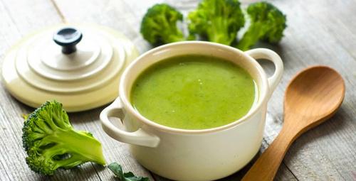 Çorbaların yeni gözdesi brokoli çorbası tarifi!