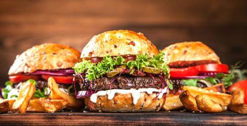 Kendinizi ev yapımı hamburger ile şımartmaya ne dersiniz?
