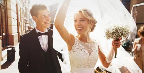 Evlenmek için aşk yeterli mi?